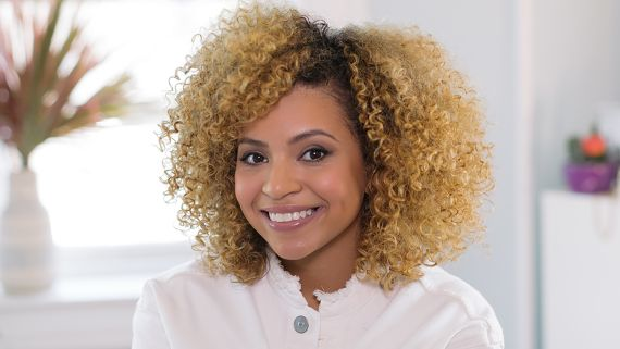 This Three-Step Hair Routine Is All You Need for Perfect Curls This Summer