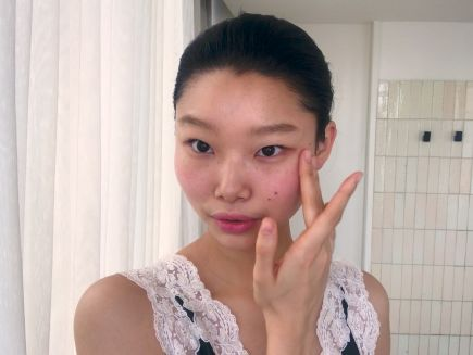 Beauty Secrets - Watch Model Yoon Young Bae's Guide to Cool-Girl Glitter Eyes and Red Lipstick