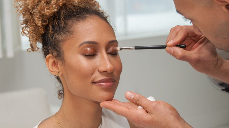 """Watch Get the Look 