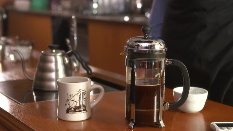 watch stumptown bon app tit brew guide how to brew coffee with a french press bon app tit. Black Bedroom Furniture Sets. Home Design Ideas