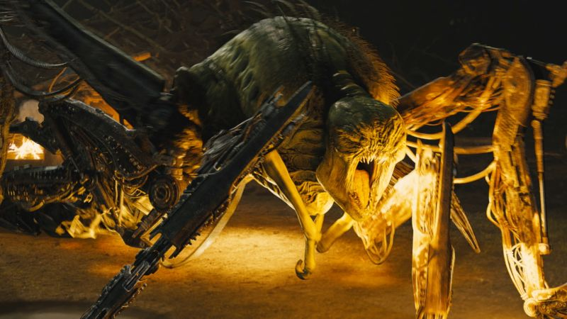 The Maze Runner Exclusive: Building the Mechanical ... The Maze Runner Movie Beetle Blade