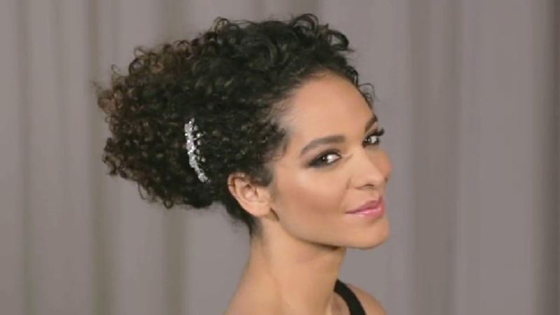 Watch Hey Hair Genius How To Do A Curly Updo In 5 Minutes Or Less