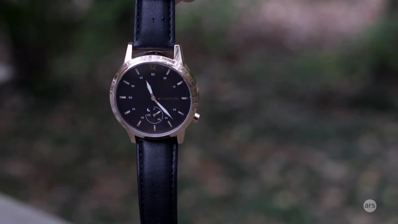 Watch Tech   Ars reviews the Runtastic Moment Classic fitness tracker/watch    Ars Technica Video   CNE
