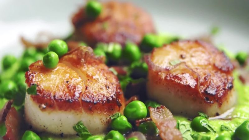 The Easiest, Most Delicious Way to Cook Scallops