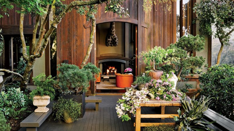 watch 11 gorgeous home gardens to inspire your green thumb architectural digest video cne. Black Bedroom Furniture Sets. Home Design Ideas