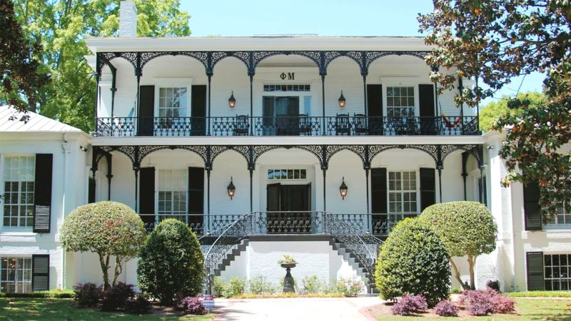watch 10 most gorgeous sorority houses in america architectural