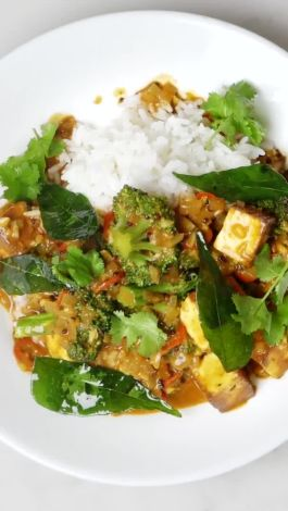 Watch this vegetarian indian masala is a weeknight dinner hero watch this vegetarian indian masala is a weeknight dinner hero epicurious video cne forumfinder Choice Image