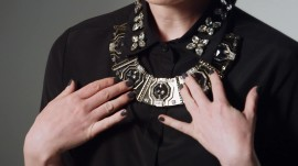 An Embellished Collar with a Statement Necklace