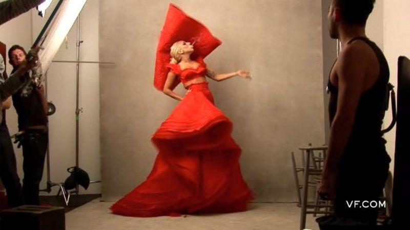 "Watch Meryl Streep Sing Lady Gaga's ""Bad Romance"""