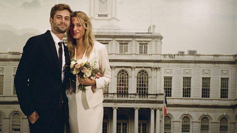 Watch this new york city wedding at city hall was planned in 48 watch this new york city wedding at city hall was planned in 48 hours vogue video cne vogue junglespirit Gallery