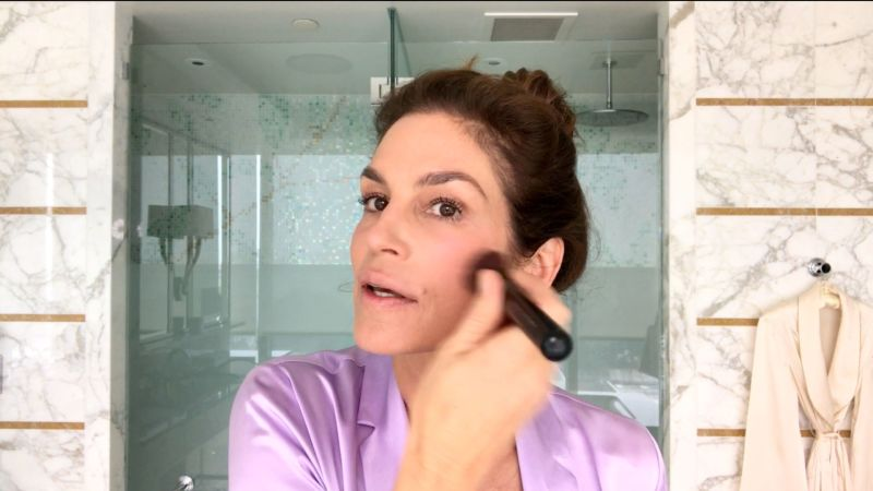 Watch Cindy Crawford's Everyday Morning Beauty Routine