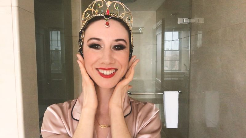 Watch Ballerina Isabella Boylston's Dramatic Black Swan Makeup Transformation - Vogue