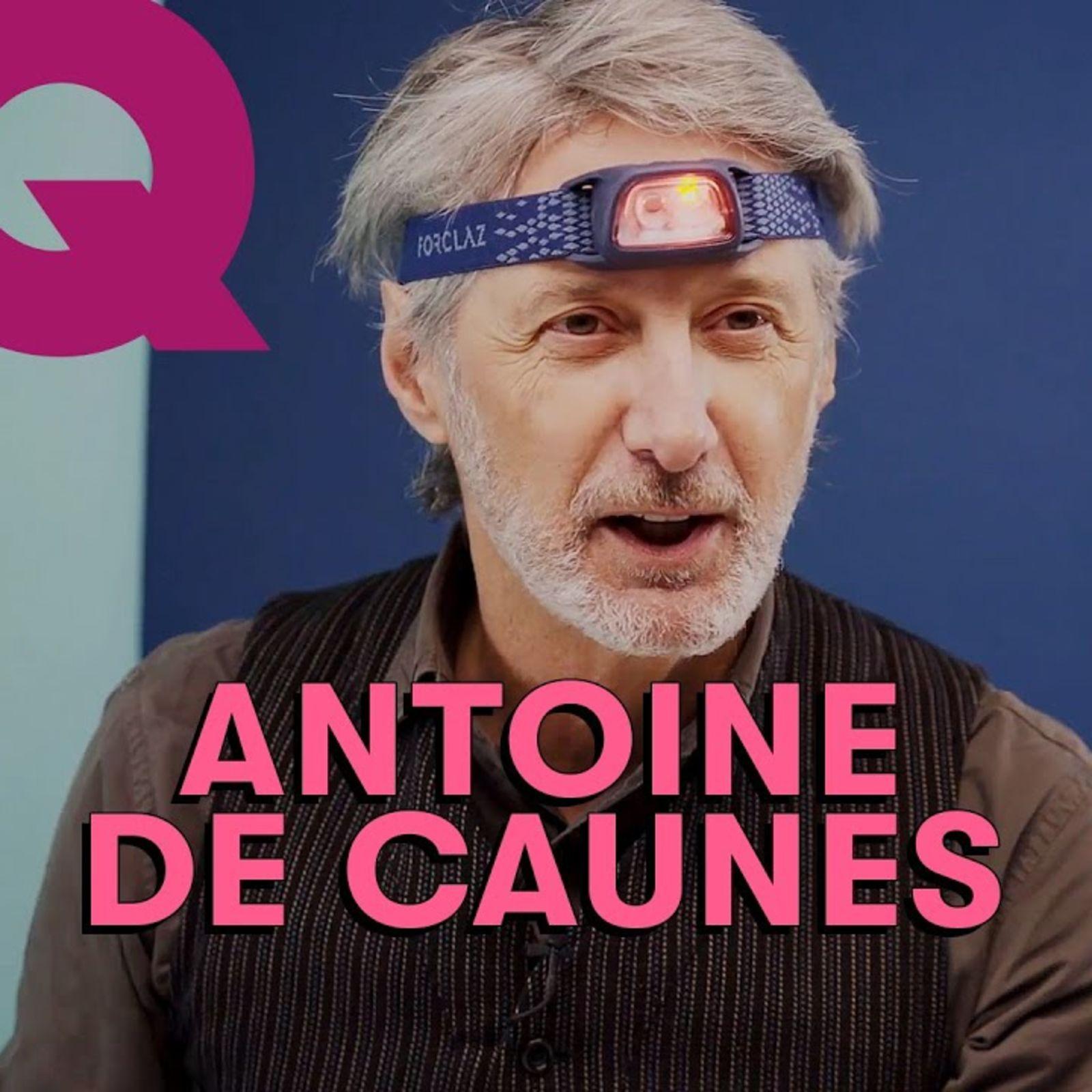 Les 10 Essentiels d'Antoine de Caunes (appareil photo, casquette, pipe...)