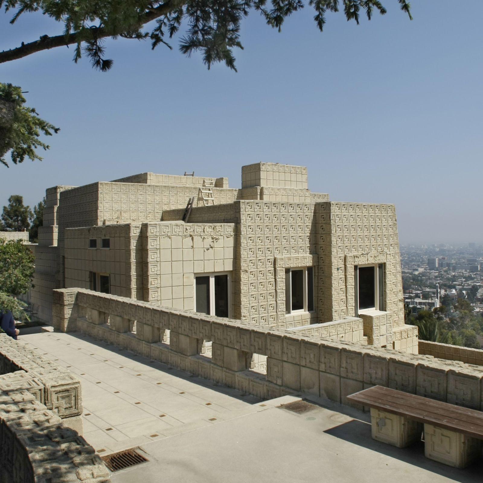 Visitamos ENNIS HOUSE, la cinematográfica casa de Lloyd Wright en Los Ángeles