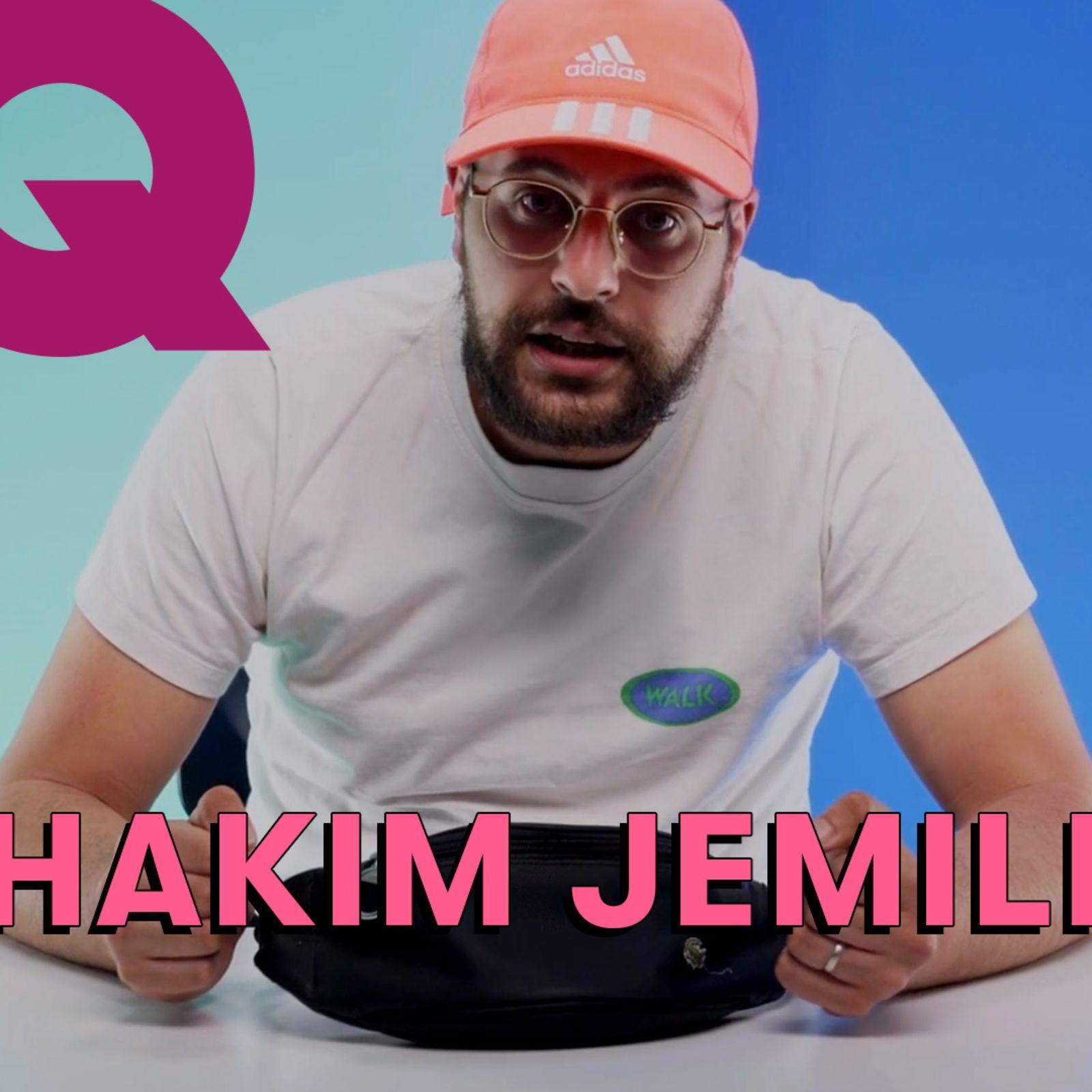 Les 10 Essentiels d'Hakim Jemili (banane, écouteurs, ventoline)