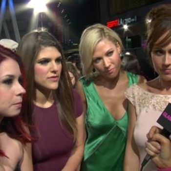 Behind-the-Scenes at the 2013 People's Choice Awards