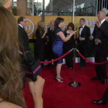 You'll Never Guess What We Got the Cast of The Office to Do at the SAG Awards Red Carpet!