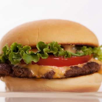 How to Make a Classic Smashed Cheeseburger