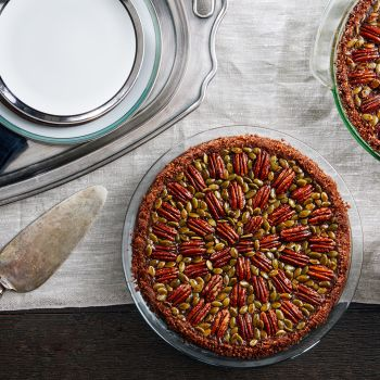 How to Make Pecan Pie With A Gingersnap Crust