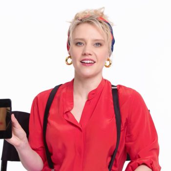 Kate McKinnon Shows Us the Last Thing on Her Phone