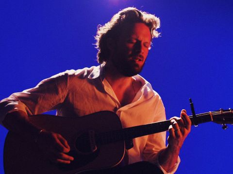 "Father John Misty Performs ""The Memo"""