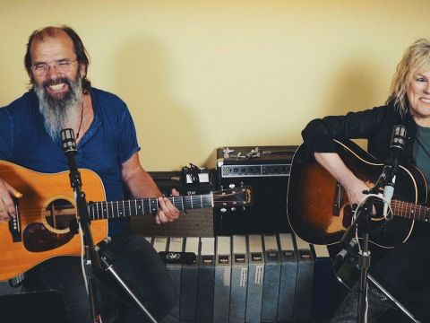 Lucinda Williams and Steve Earle Perform Songs from Their Upcoming Albums