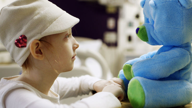 Huggable Robot Befriends Girl in Hospital