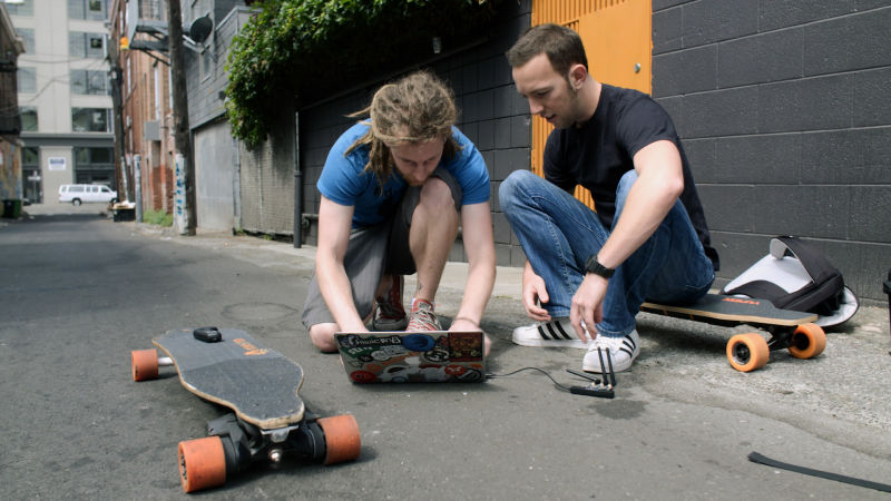 These Guys Can Hack An E-Skateboard