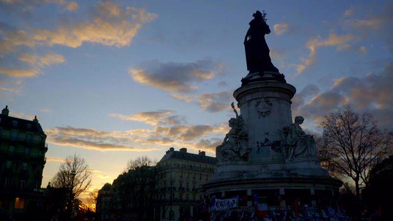 Sunset at Place de La Republique, Paris