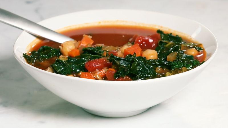 A Healthy Vegan Farro Minestrone Under 400 Calories