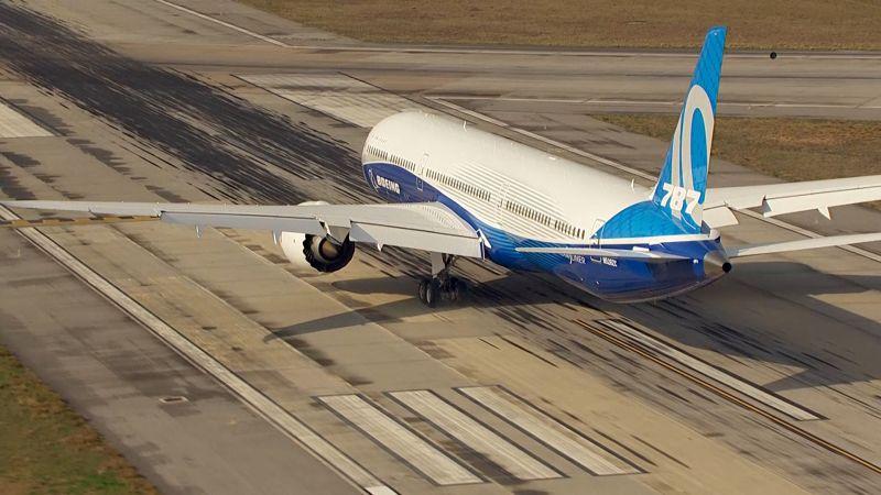 Boeing 787 8 Draws An America Sized Self Portrait In Test Flight Wired