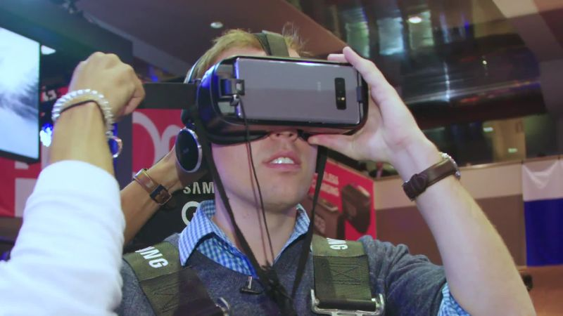 CES 2018: The Most Ridiculous VR and AR Headsets We Tried at CES