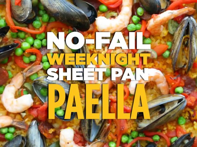 How to Make Paella With a Sheet Pan
