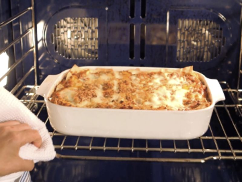How to Make and Assemble Lasagna From Scratch