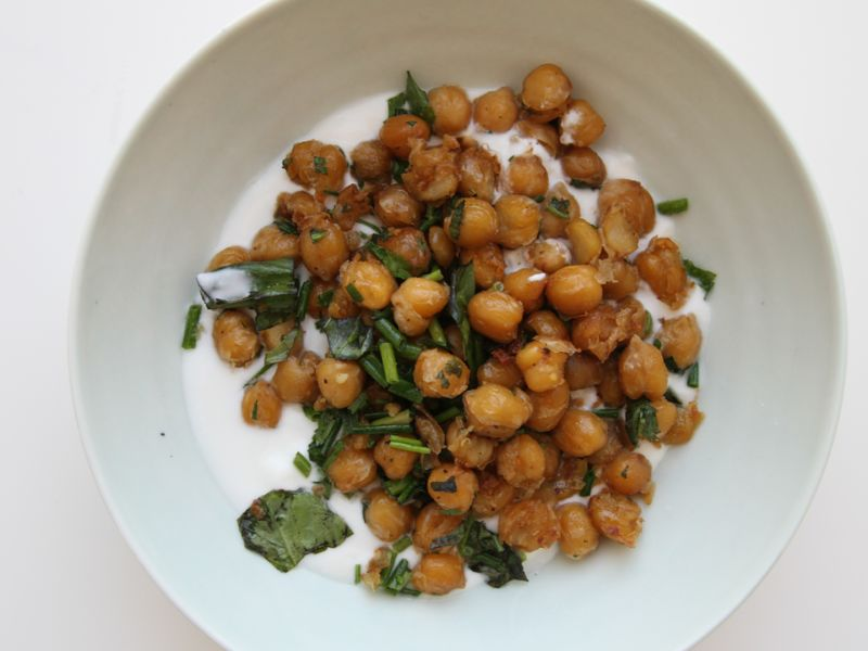 How to Make Crispy Herbed Chickpeas