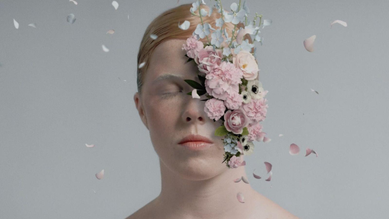 BLOOM, un bello fashion film ante los tiempos difíciles