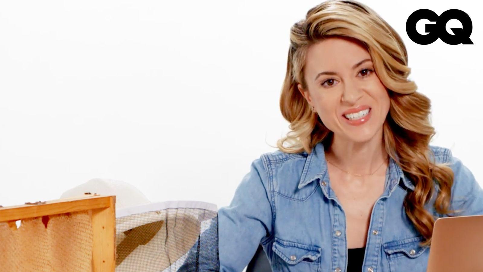 養蜂專家就是要隨身帶蜂后!養蜂女下凡解答問題:「蜜蜂界也有奧運?」 Beekeeper Answers Bee Questions From Twitter|名人專業問答|GQ Taiwan