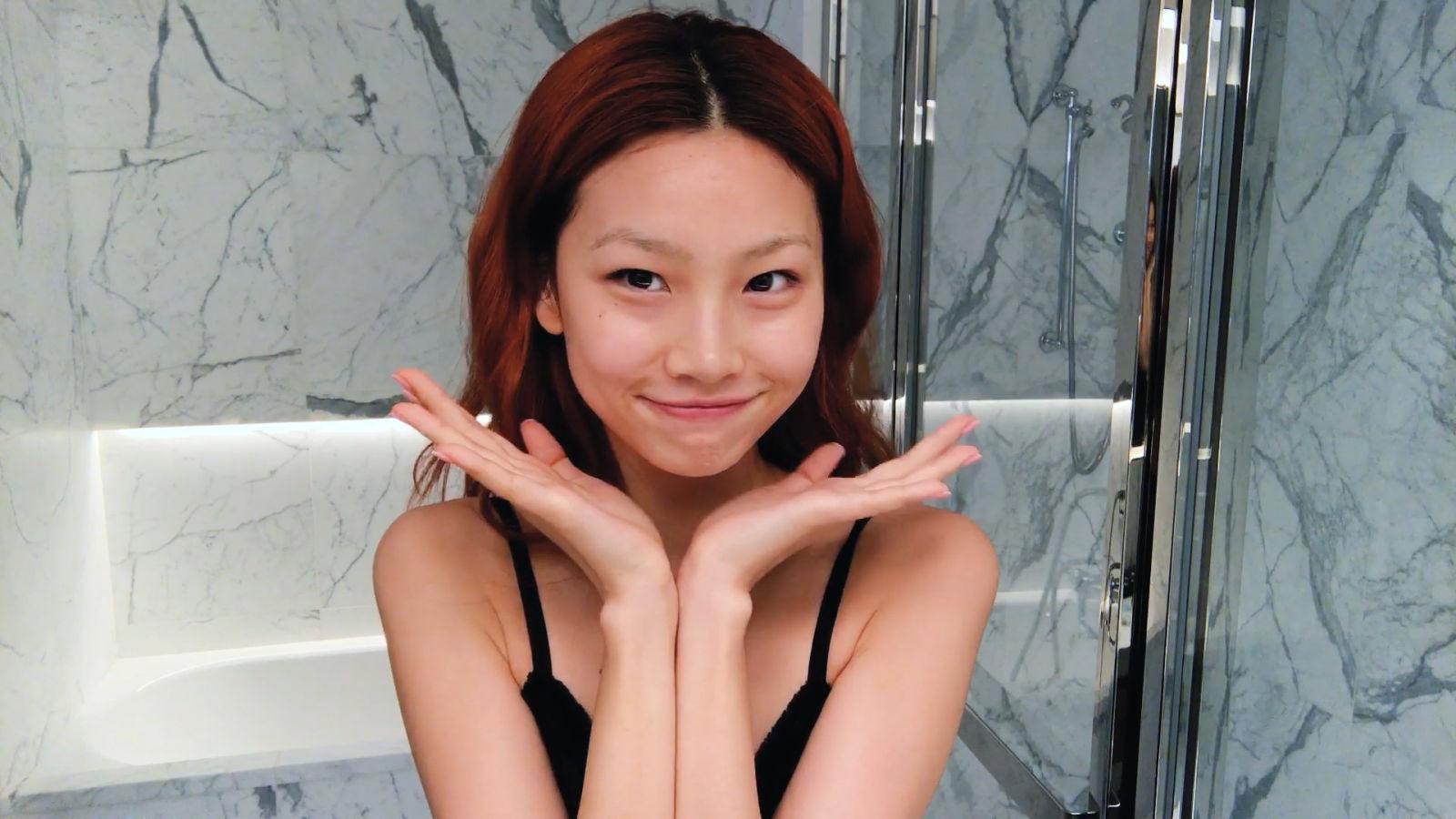HoYeon Jung de El juego del calamar y su guía para una piel perfecta