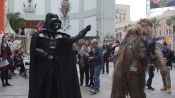 Darth Vader Force-Chokes Star Wars Fans in Line for The Force Awakens