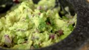 How to Make Quick and Easy Guacamole