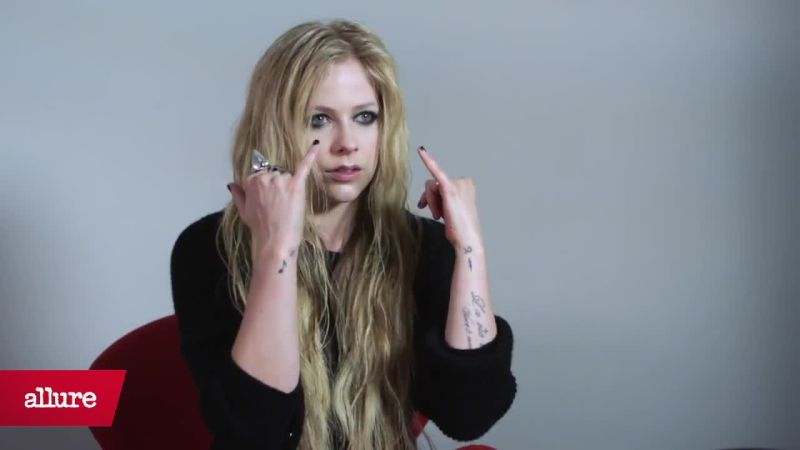 Watch Avril Lavignes Signature Smoky Eye Allure Video Cne