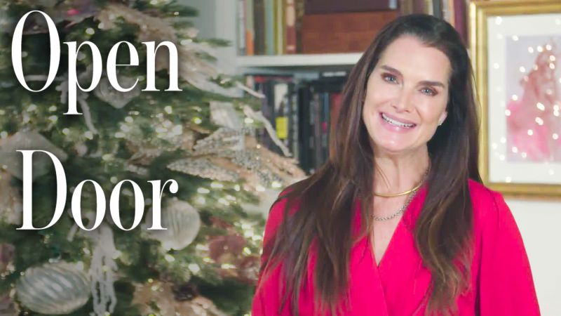 Brooke Shields Shows Us Her Home Decorations for the