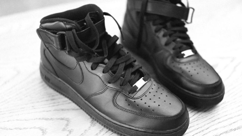 Faial Condicional intervalo  Watch Editor's Picks: Black Nike Air Force 1s That Fulfill a Childhood Wish    GQ Video   CNE   Gq.com   GQ