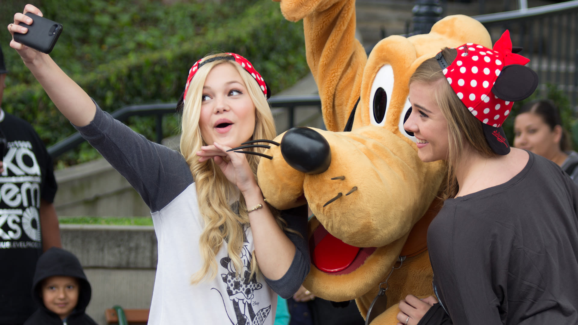 Olivia Holt Interviewed By Young Hollywood April 17, 2013