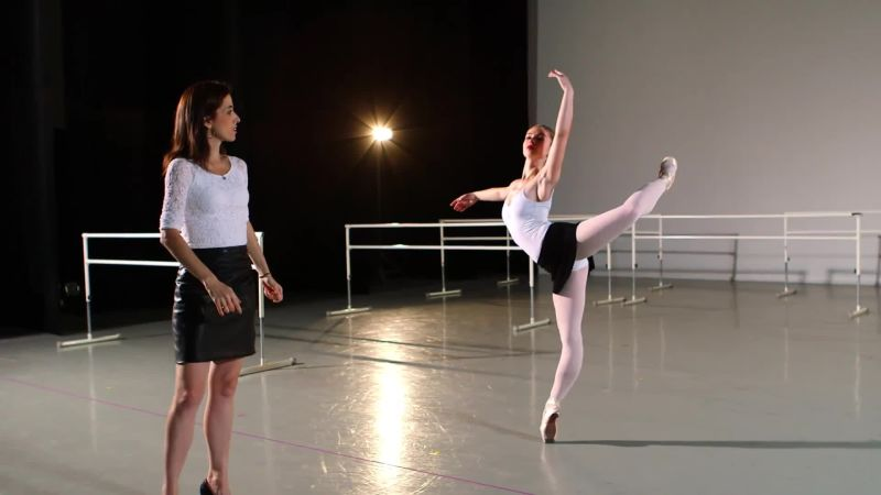 difference between modern and ballet
