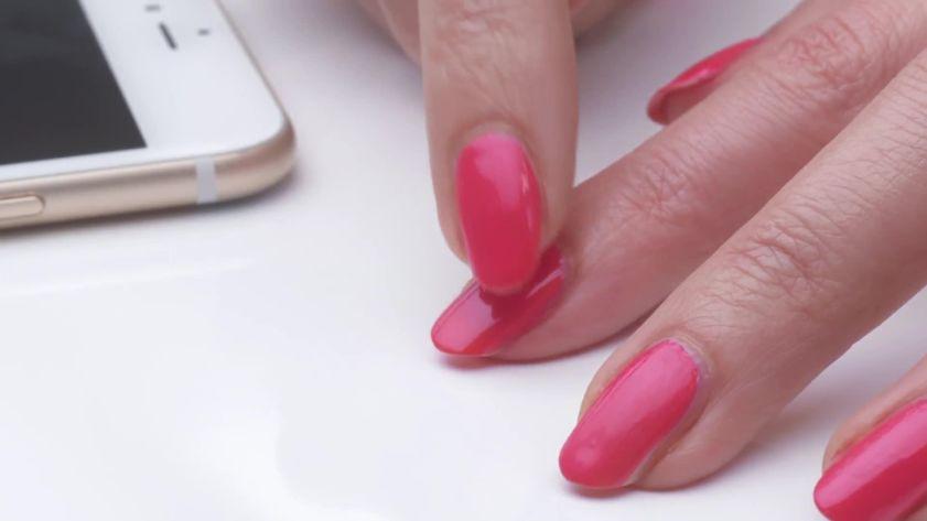 Nail designs ideas polish trends allure beauty hacks manicure smudges and diy polish solutioingenieria Gallery