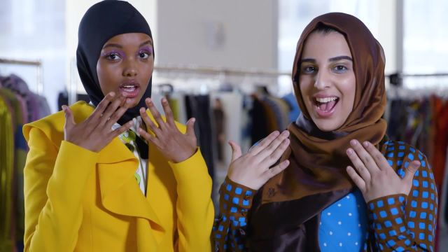 Hijab middle finger nude — pic 8