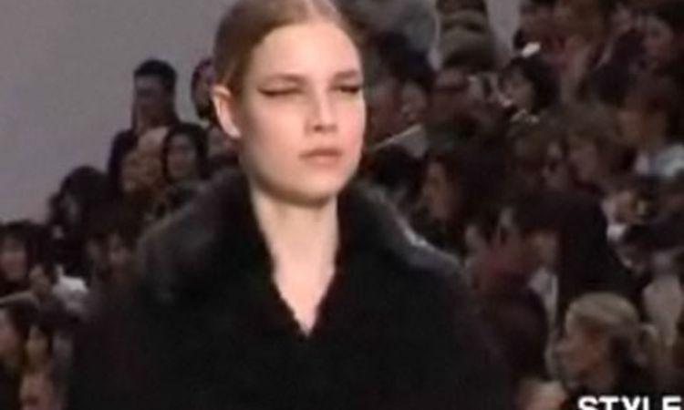 e435a811d6 Louis Vuitton: Fall 2007 Ready-to-Wear - Vogue Videos - The Scene