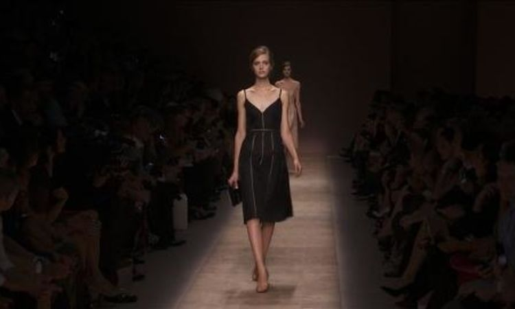 19282a6192117 Valentino: Spring 2013 Ready-to-Wear - Vogue Videos - The Scene