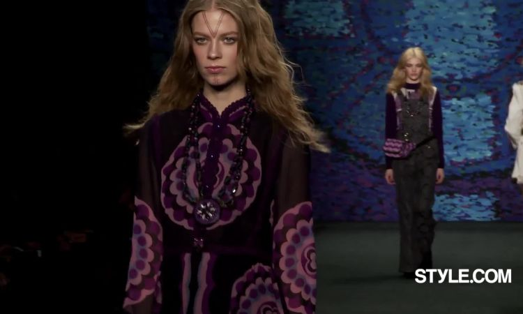 10829b4797d Anna Sui Fall 2015 Ready-to-Wear - Vogue Videos - The Scene